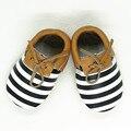 Розничная Натуральная Кожа Младенца мокасины Детская обувь девушки и мальчик Полоса Сначала Ходунки Младенческой Новорожденных Обувь Бесплатная доставка