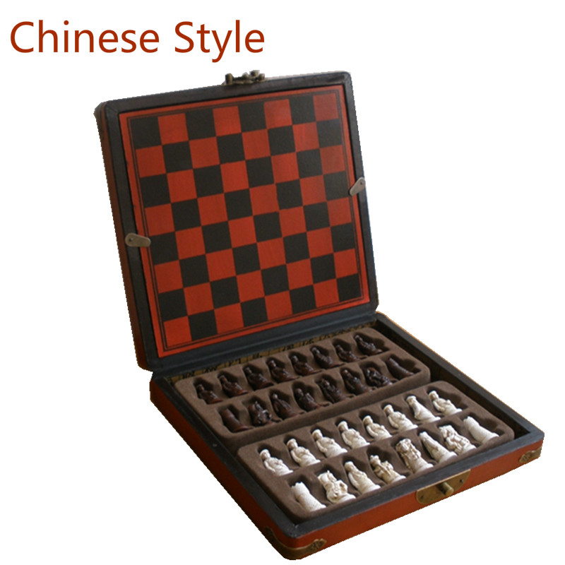 2017 Antique Chess Set of Chess Wooden Coffee Table Antique Miniature Chess Board Chess Pieces Move Box Set Retro Style Lifelike