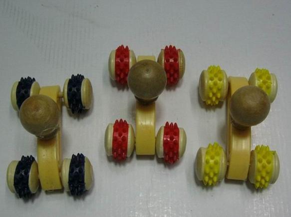 free shipping Mini wooden lumbar spinal cord 4 wheels massager tools