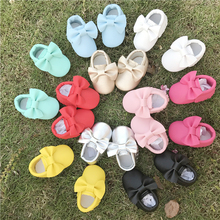 Handmade Soft Bottom Baby Shoes PU Leather Newborn Boys Girls bow Shoes First Walkers Baby Moccasins 0-18 Months Free shipping