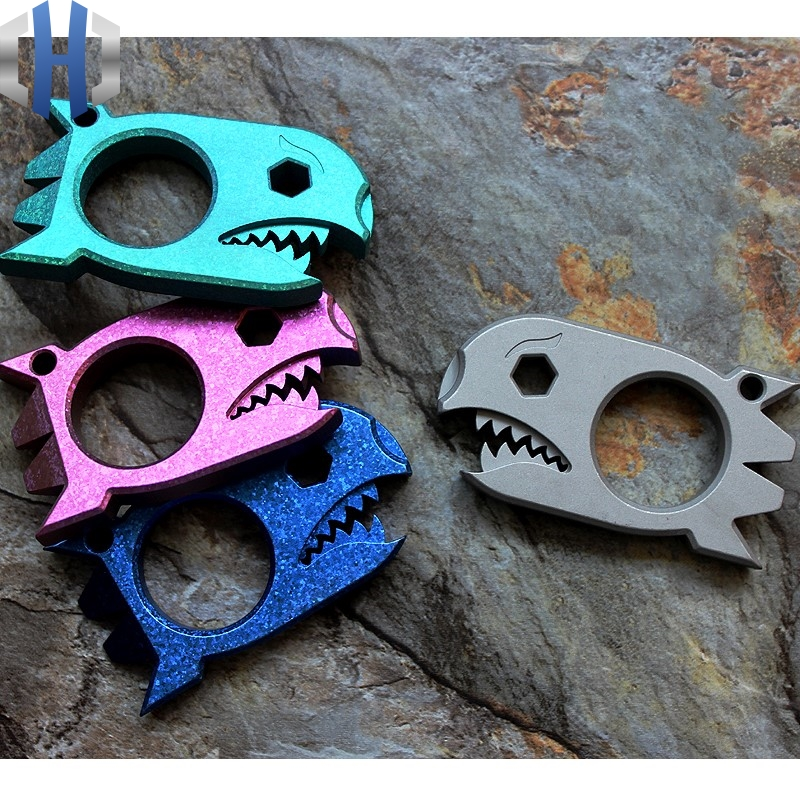 Titanium Alloy EDC Multi-purpose Tool Card Shark Broken Window Tool Opener Crowbar