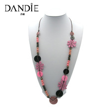Dandie Hot Sale Trendy Handmade Necklace With Colorful Shell And Wood Flowers Decorations For Women