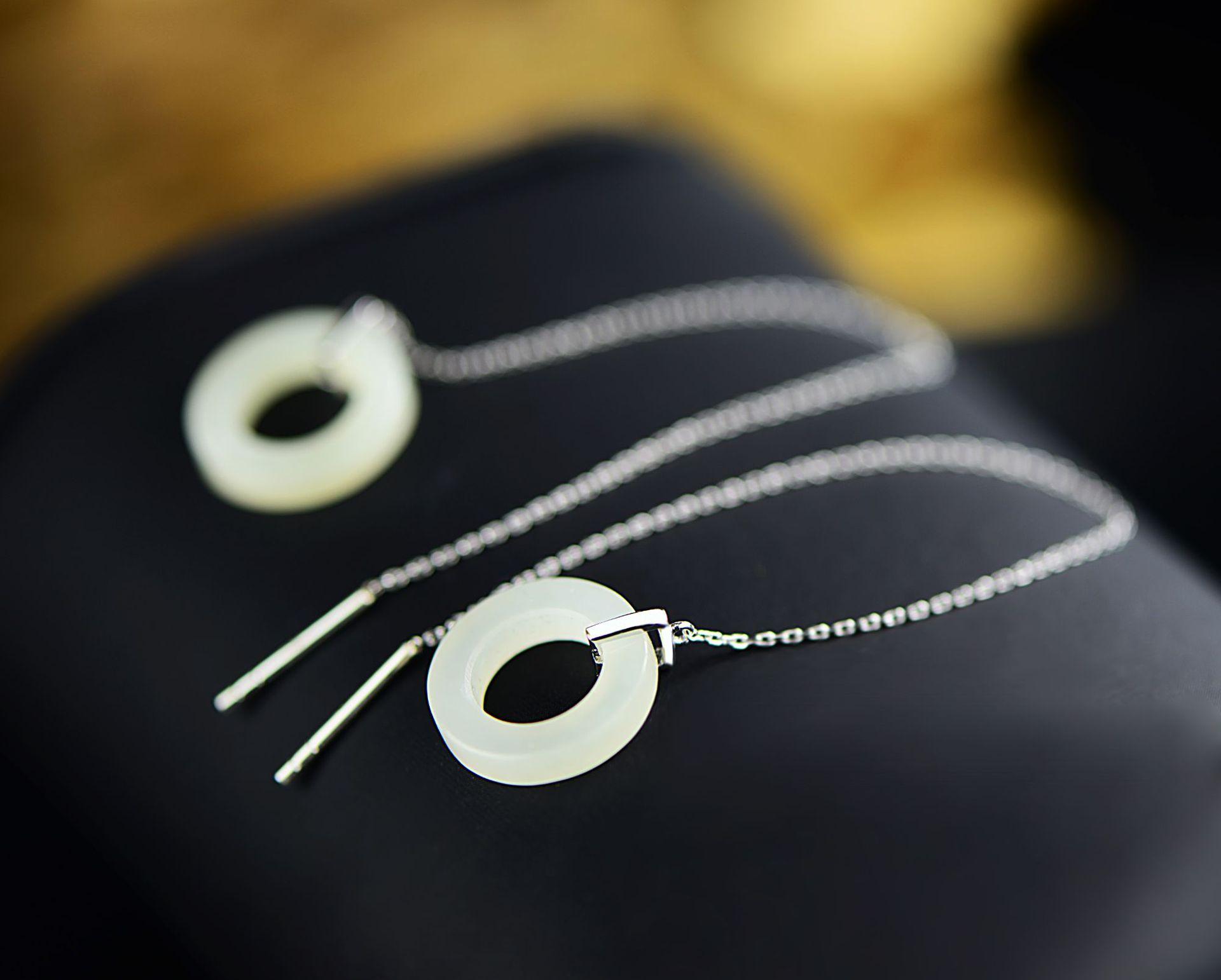 Сан-Шек wan 925 серебряное природных диафрагма белый нефрит серьги личности женщина контракт серьги оптом