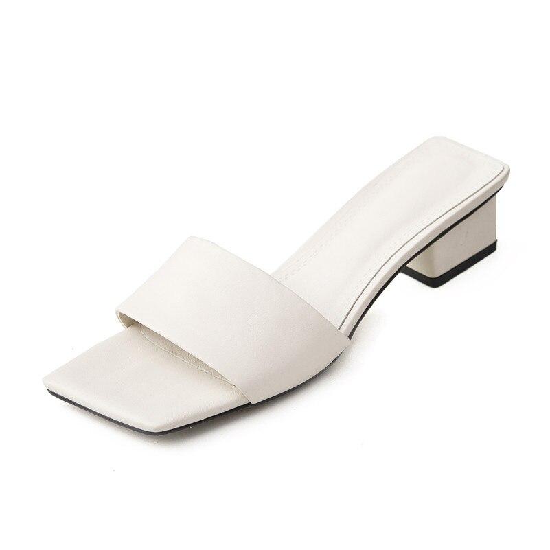Ayakk.'ten Orta Topuklu'de FEDONAS Rahat Kadınlar Yeni Varış rahat ayakkabılar Hakiki Deri Kadın Pompaları moda ayakkabılar Kadın Roma Kare Topuklu Sandalet'da  Grup 3