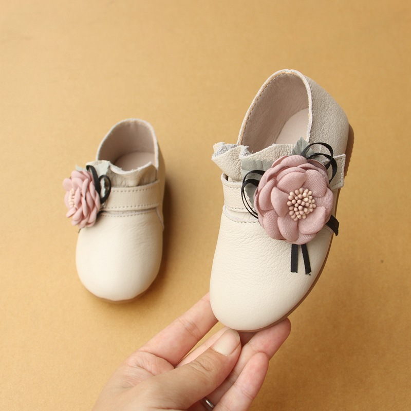 2018 Baby First Walkers Baby Shoes Flower Soft Bottom Leather Shoes for Baby Girls Princess Shoes flower baby summer baby shoes for girls soft sole cute princess elegant fashion cotton high quality baby shoes for girls 60a1071