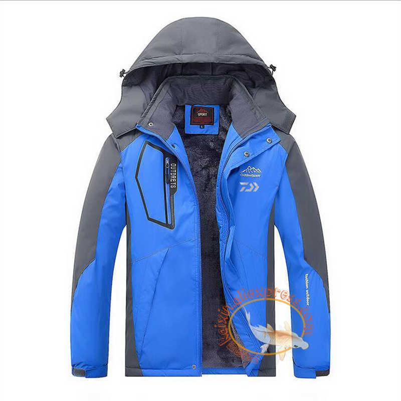 5aa52ab904e ... 2019 Daiwa Fishing Clothing Winter Men Women Autumn Winter Waterproof  Warm Fishing Jackets Patchwork Hooded Mountaineering ...