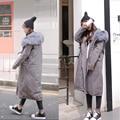 [TWOTWINSTYLE] 2017 Зима Большой Размер Длинные Пальто С Капюшоном Большой Меховая Шапка Толстый Шнурок Талией Женщин Куртки Вниз Новая Мода