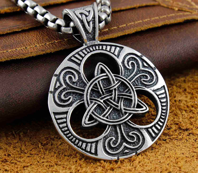 Triquetra Triangle Circle Trinity Knot Irish Mens Religion