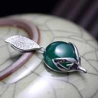 Wholesale Silversmith Old Hand Set Green Chalcedony Pendant In Sterling Silver Pendant Small Fox Female