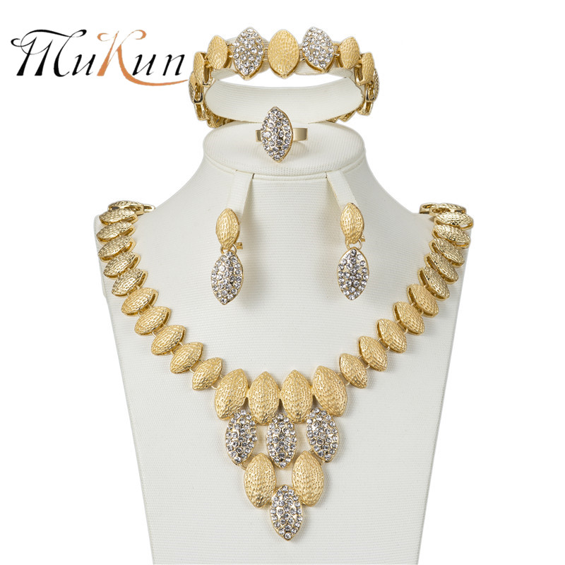 MUKUN 2018 jewelry set african beads Dubai jewelry set for women elegant Imitated crystal jewelry sets Gold-color necklaces set