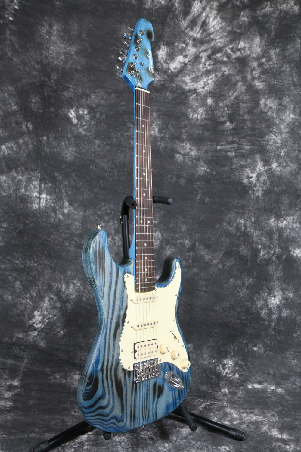 Special Burning spot ash body Maple Neck Alnico pickups Quality Korea switch blue Strat  Electric guitar Guitarra xeltek private seat tqfp64 ta050 b006 burning test