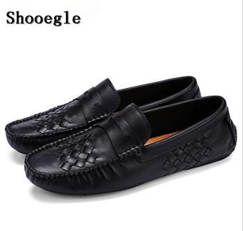 SHOOEGLE wiosenne męskie buty nowe mokasyny buty czarne skórzane ręcznie tkane akcesoria płaskie buty w stylu casual wysokiej jakości męskie buty tanie i dobre opinie Dla dorosłych Przypadkowi buty Stałe Skóra Split Slip-on Wiosna jesień 180131 Pig Suede Wodoodporna Oddychająca Wysokość zwiększenie