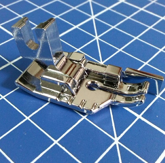 """1/4"""" Seam Patchwork Quilting Foot /Feet 9901L  Featherweight 221 Brother Singer etc Domestic Low Shank Sewing Machine"""