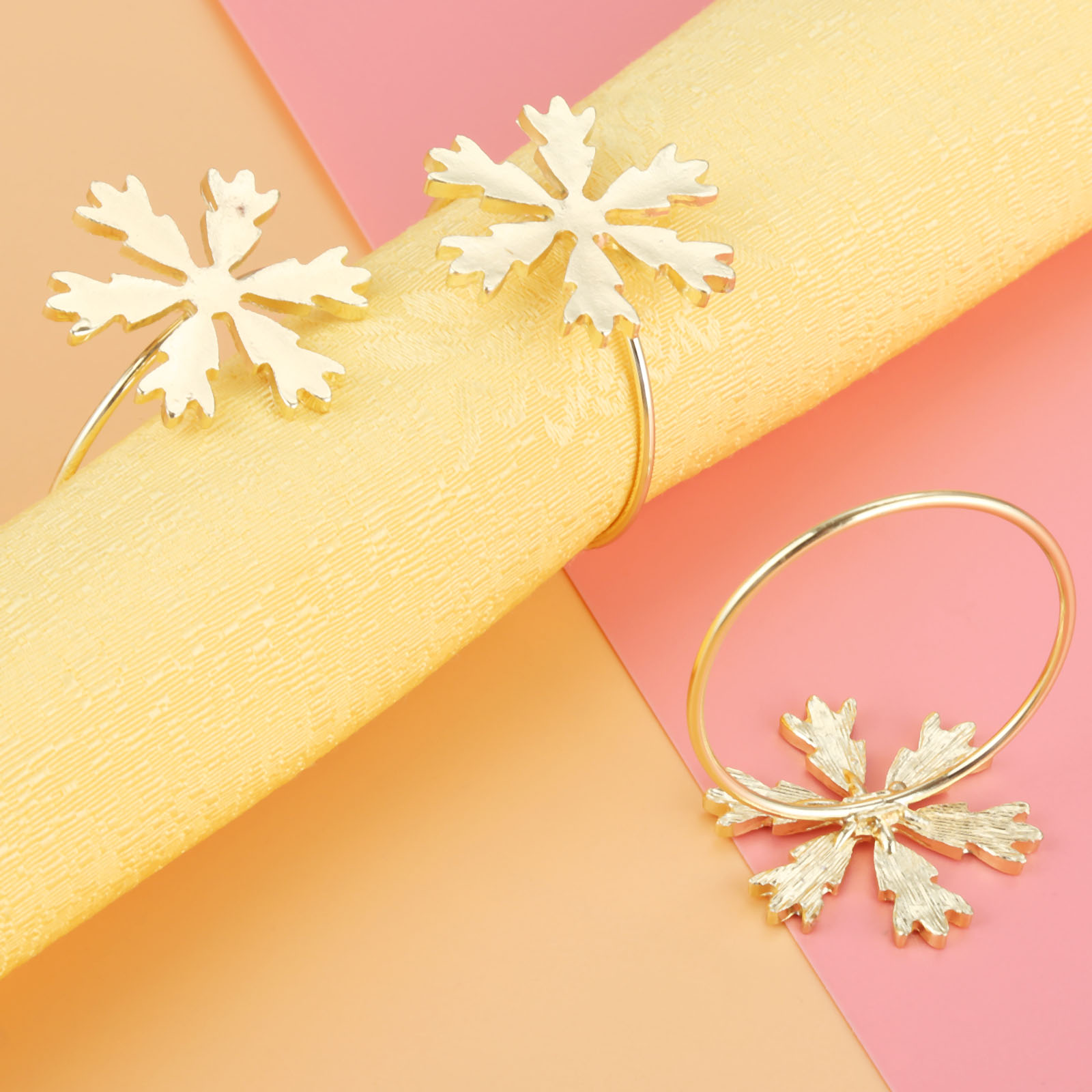 6Pcs Christmas Snowflake Napkin Ring Serviette Holder Party Wedding Dinner Drop Ship Tables in Napkin Rings from Home Garden