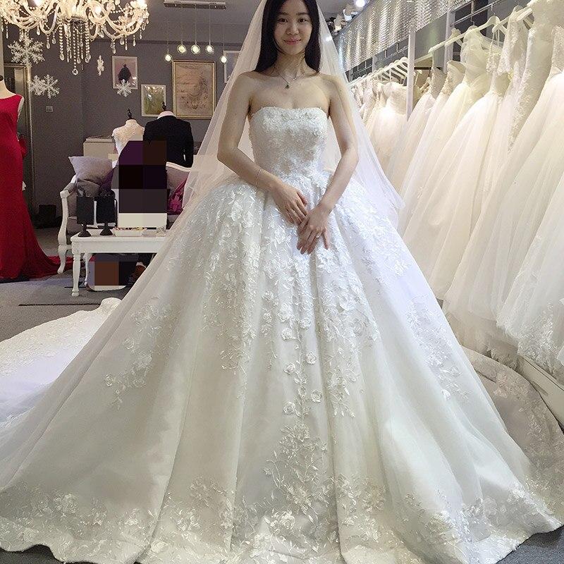 Luxury Ball Gown Castle Wedding Dresses Strapless Lace Appliques ...