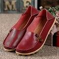 2016 Cuero Genuino de Las Mujeres Flats Zapatos de Moda Casual Primavera Otoño Mocasines Conducción Resbalón En Holgazanes Suaves Zapatos Al Por Mayor