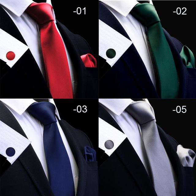 Set de Corbata de Seda, Pañuelo y Gemelos
