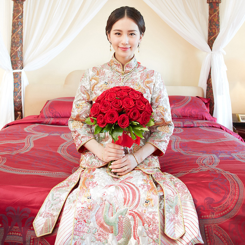 Oversea Female Qipao Chinese Cheongsam Oriental Dragon Phoenix Handmade Embroidery Bride Wedding Dress Gown Marriage Dress