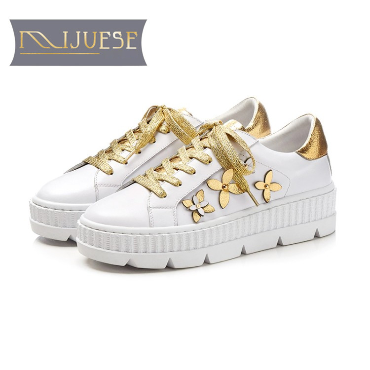 MLJUESE 2018 women sneakers cow leather lace up floral white color autumn spring cut-outs Vulcanize Shoes fashion sneakers цены онлайн