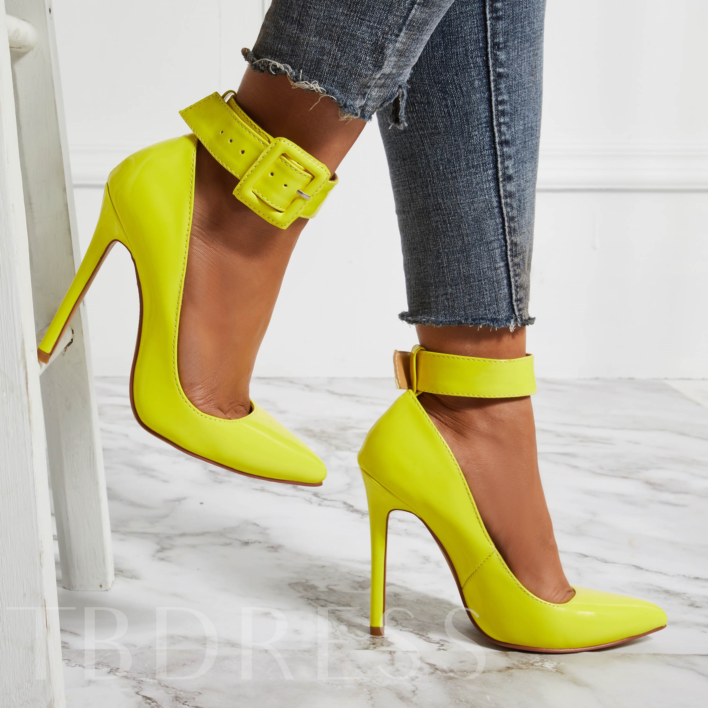 USD Carpaton القدم الأحذية