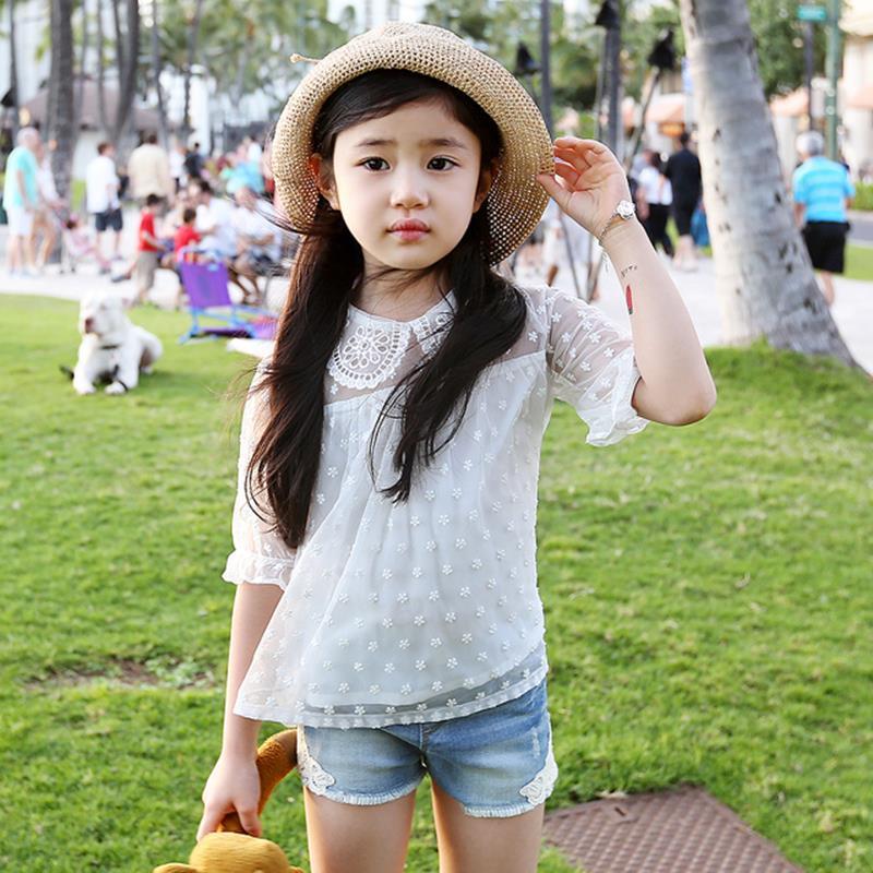 2ed507ea4 2018 الصيف لطيف الكورية الأطفال ملابس رقيقة الدانتيل زهرة كم الاطفال تي  شيرت القطن دمية طوق الفتيات نقطة بلوزة الأبيض قميص