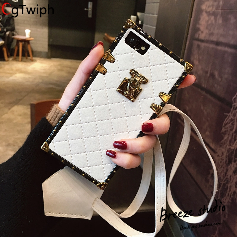 Luxury PU Leather Phone Cases for Apple iphone X 7 8 Plus 6 6s Plus Fundas Vintage Fashion Square Lattice Back Cover With Strap