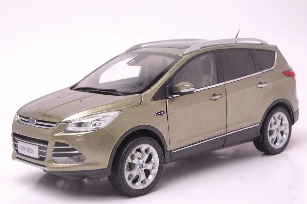 1:18 Scale Diecast Model Car for Ford Kuga Escape 2015 Brown SUV Alloy Toy Car Collection Gifts new 1 18 infiniti q50 q50s 2015 white diecast model cars hot selling alloy scale models limited edition