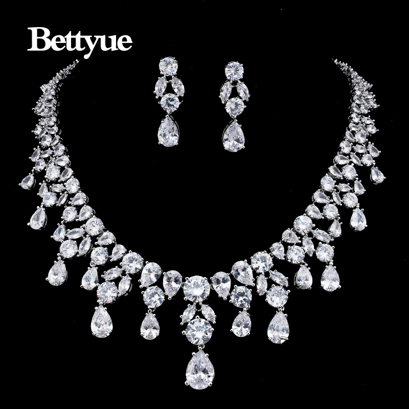 Bettyue Brand Charm Fashion Luxury AAA Cubic Zircon White Gold Color Wholesale Europe And America Style For Woman Wedding GiftsBettyue Brand Charm Fashion Luxury AAA Cubic Zircon White Gold Color Wholesale Europe And America Style For Woman Wedding Gifts