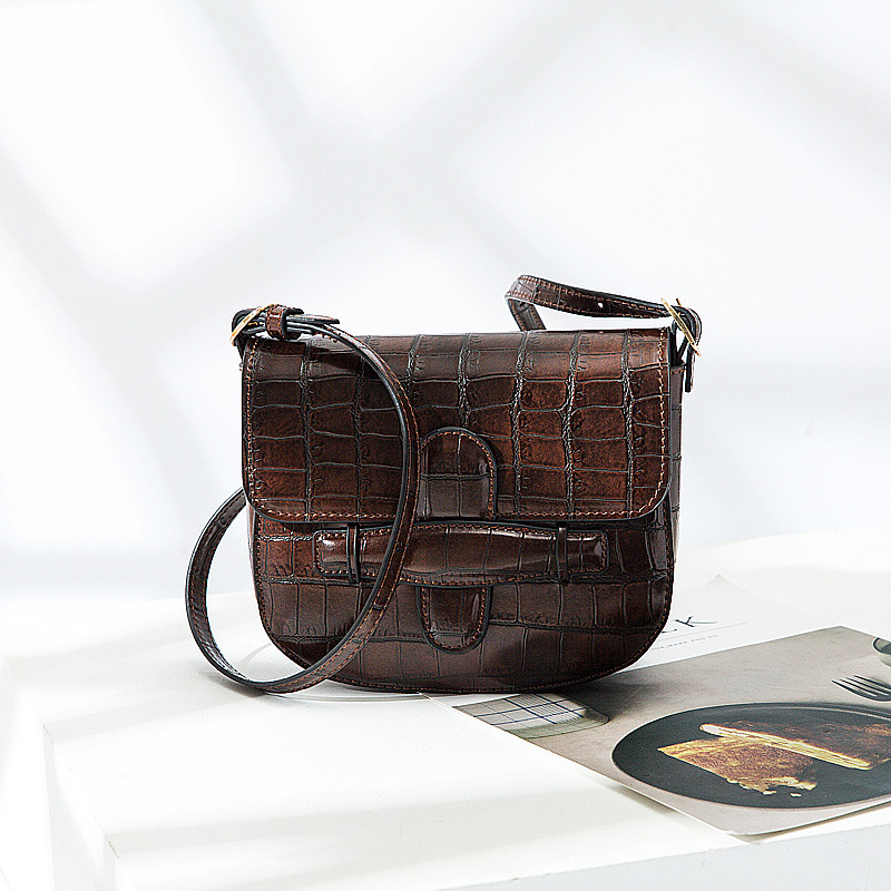 ce81edd2589f Saddle Bag Female Animal Print Alligator Leather Bag Handbag Women Vintage  Chest Bags Luxury Brand Messenger Bags Bolsos Mujer