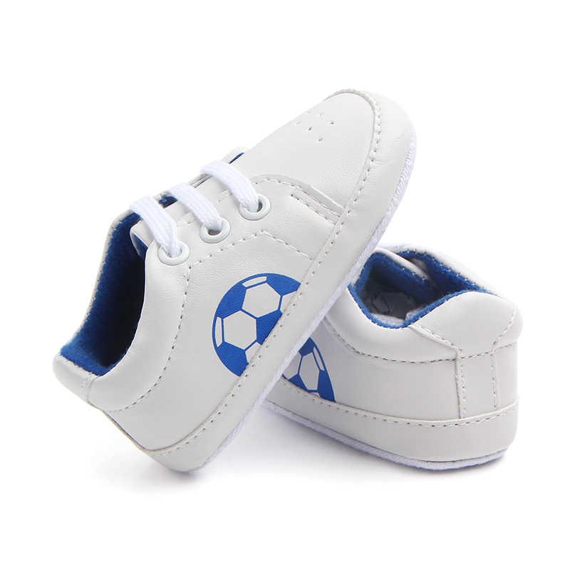 Nieuwe geboren Baby Jongens Voetbal Sport Sneakers Schoenen Voetbal Zuigelingen Crib Schoenen Kid Lederen Lace-Up Prewalker Laarzen Bebe booties