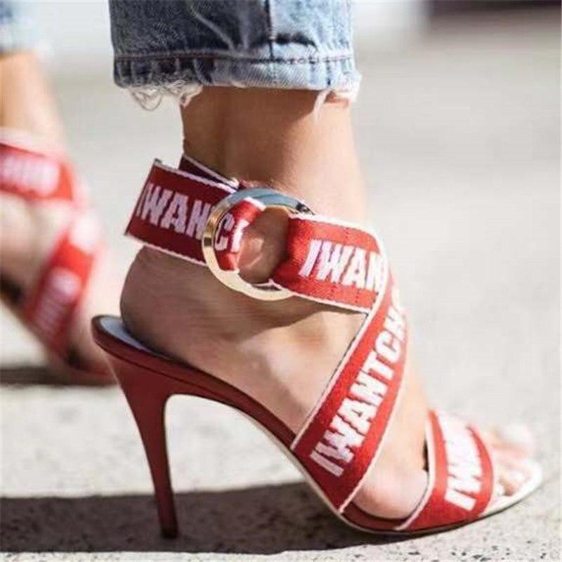 2019 Lettre En b Mariage Femme Nouvelle Talons Chaussures Impression De Haute Métal Femmes Gladiateur Soie Sandales Boucle D'été Mince Rouge Piste A wtqS4tr