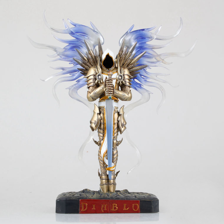 Game WOW Dark Seraphim Tyrael Archangel 28cm PVC Action Figure Toys Gifts Model Collections Free Shipping