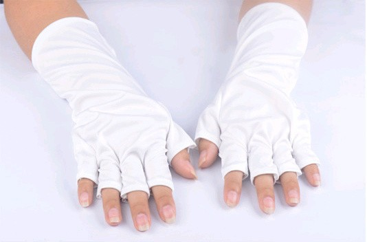 UV shield gloves