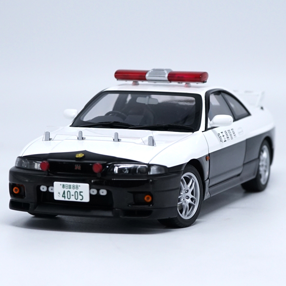 1:18 Aotart Nissan GT R R33 Car Diecast Model Car Toy New In Box For Gift/Collection/Kids/Decoration