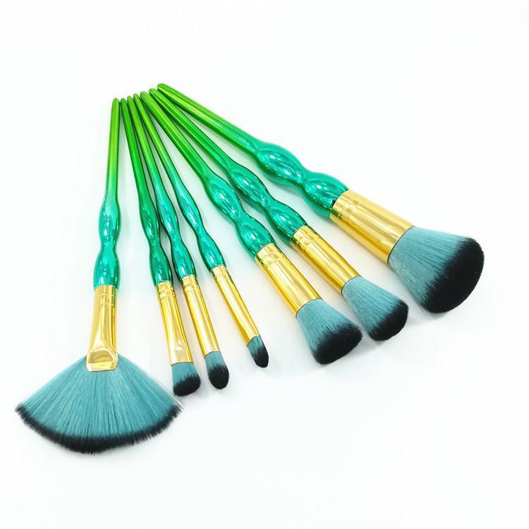New 7PCS Cosmetic Makeup Brush Face Blush Powder Brush Green Gradient Plastic Handle Makeup Brush Eyeshadow Cosmetic Brush new design stamp seal shape face makeup brush foundation powder blush contour brush cosmetic facial brush cosmetic makeup tool
