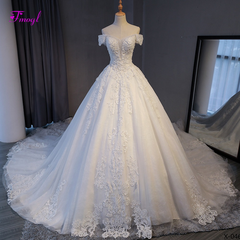 Fmogl Vestido de Noiva Appliques Chapel Train A Line Wedding Dresses 2019 Delicate Beaded Boat Neck Lace Up Princess Bridal Gown-in Wedding Dresses from Weddings & Events