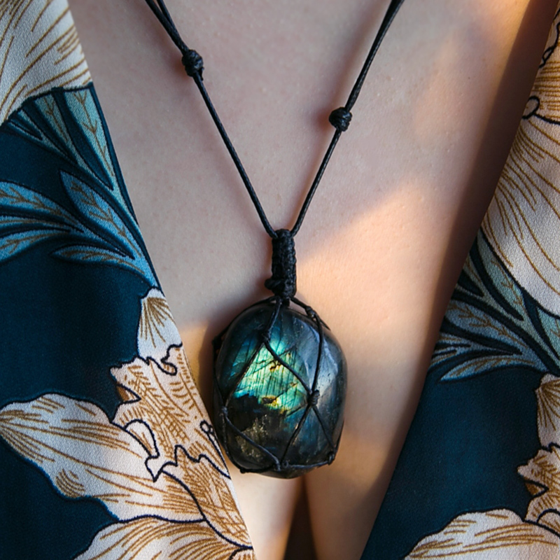 Dragons Heart Labradorite Necklace Natural Stone Pendant Wrap Braid Necklace Yoga macrame Necklace for Men Women Energy Necklace