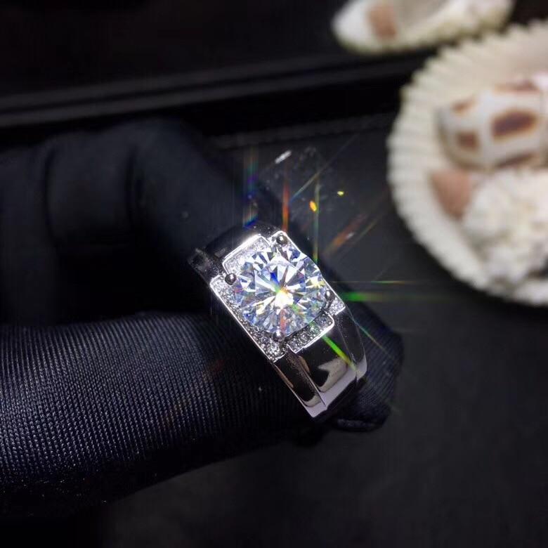 do diamante, pode ser testada por instrumentos. Joias populares da jóia