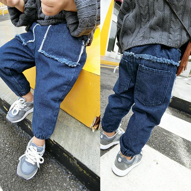 Pantalones vaqueros de la ropa de otoño e invierno de los niños niños niñas pantalones arnés pantalones largos gruesos pantalones de algodón pantalones calientes 0-2Y