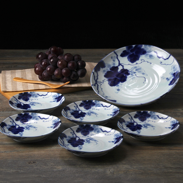 Japan imported grapes Aizen five small dishes with a big package Ceramic plates underglaze saucer Caidie & Japan imported grapes Aizen five small dishes with a big package ...