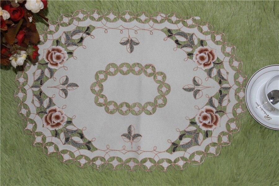 Вышивка на салфетки столовой