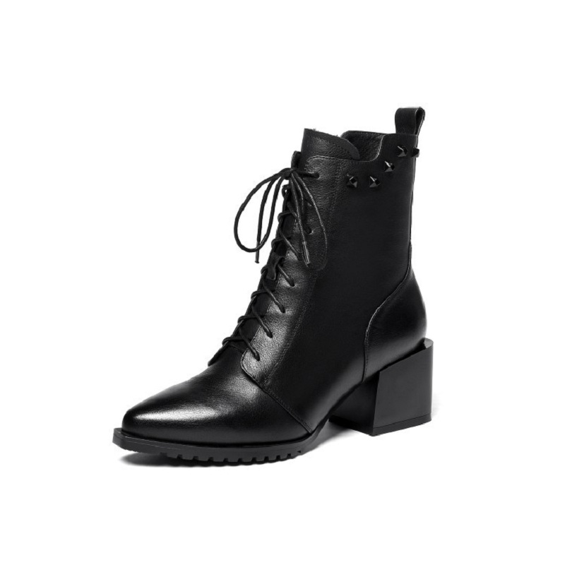 2018 autumn and winter new thick with leather lace Martin boots fashion pointed womens booties black ljj 03312018 autumn and winter new thick with leather lace Martin boots fashion pointed womens booties black ljj 0331