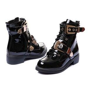 Image 3 - FEDONAS ماركة جلد طبيعي الذهبي أبازيم الأشرطة كعب سميك حذاء من الجلد مثير الخريف الشتاء دراجة نارية الثلوج الأحذية حذاء امرأة