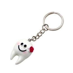 Image 5 - 10 adet diş diş şekli modeli simülasyon diş anahtarlık moda karikatür güzel kız hediye kolye diş anahtarlık