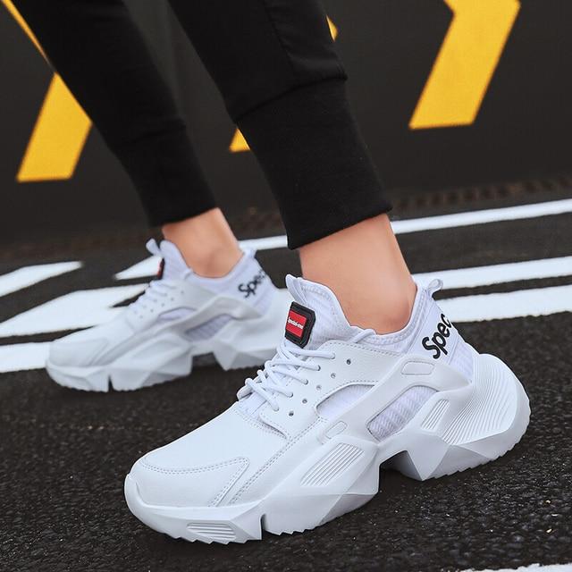 Мужская обувь; Повседневная модная летняя дышащая теннисная обувь; кроссовки на массивном каблуке; удобная молодежная обувь для мальчиков; цвет белый, черный; дизайнерская обувь для мужчин