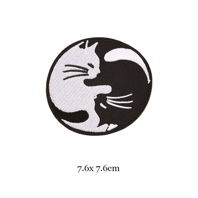 1 шт., черные, белые байкерские нашивки для одежды, железная одежда, аппликация с буквами, Череп, звезда, полосы, вышитая наклейка, круглый значок - Цвет: 32