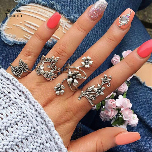 Tocona 4Pcs/Set Antique Silver Rose Flower Bohemia Rings Set for Women Punk Allo
