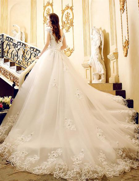 New Design Lace appliques V Neck cap Sleeve Chapel Train Vestido de noiva bridal ball gown 2018 mother of the bride dresses
