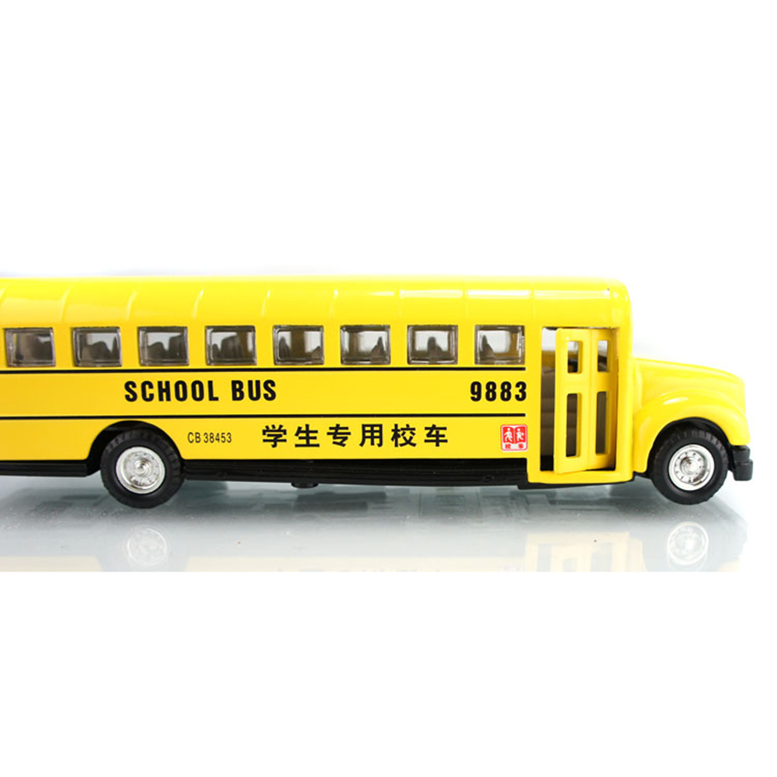 1:32 Alloy School Bus Model Pull Back/Go Acousto-Optic Four Doors Can Be Opened Rubber Tire Childrens Toy Car Model Gift kids