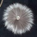 Frete grátis Bonita moda real silver fox fur bola pom poms 15 cm cap chapéu bolsa de telefone bolsa pingente chaveiro acessórios